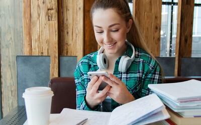 Erasmus, stáže, zlepšování jazyků a nabírání zkušeností. Podívali jsme se, jaké výhody pro mladé poskytuje Evropská unie