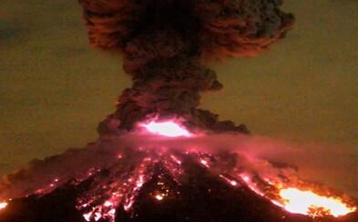 Erupcia známej mexickej sopky zachytená na detailoch, ktoré sa nevidia každý deň