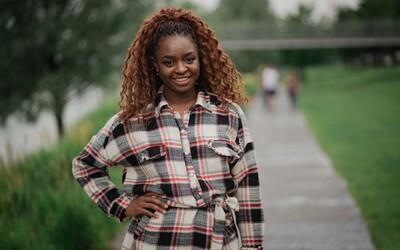 Esther Lubadika začínala kariéru v klipe Kanyeho Westa. Prezradila nám, s ktorým raperom by chcela spolupracovať teraz (Rozhovor)