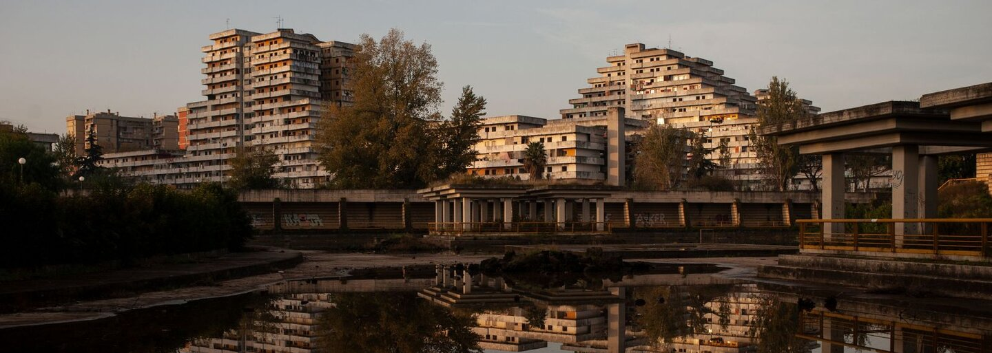 Europe's Most Dangerous Housing Project as a Scene for Bloody Mafia Wars. Social Housing Gone Wrong.
