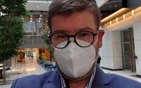 Europoslanec Pospíšil skončil po nákaze koronavirem na JIP
