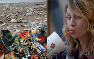Európska komisia zakáže plastové slamky, príbory na jedno použitie aj vatové tyčinky