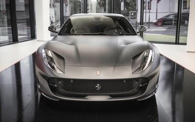 Exkluzivně: Do Prahy přijela jedna z největších novinek roku, 800koňové Ferrari 812 Superfast