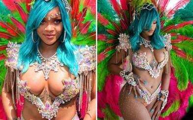 Exotická kráska Rihanna zažiarila na festivale v rodnom Barbadose. Odvážnym kostýmom odhalila všetko, čo na nej máme radi