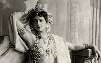 Exotická tanečnice a sexuální symbol Mata Hari byla dvojitou agentkou a milenkou desítek mužů