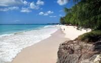Exotický raj Barbados ponúka pobyt na 1 rok, počas ktorého môžeš pracovať pod palmou na pláži. Nezaplatíš ani dane