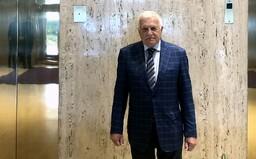 Exprezident Klaus i přes zákaz vyrazil bez roušky do zavřené restaurace