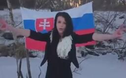 Extrémistická youtuberka Sheila nie je duševne v poriadku. Namiesto väzenia pravdepodobne skončí v liečebni