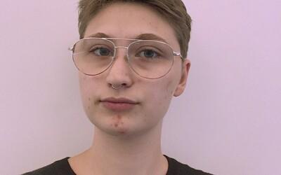 Ezra Švagr: Jsem demisexuál, nebinární, ale v poslední době se trochu kloním i k identitě trans muže (Rozhovor)