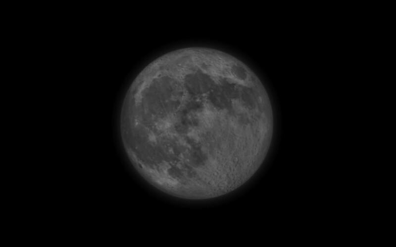 Nad Slovenskom je práve polotieňové zatmenie Mesiaca. Najlepšie podmienky na pozorovanie budú o 21:24.