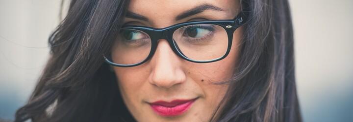 Môžeš oslepnúť po laserovej operácii očí? Otázky a odpovede pre tých, ktorí chcú navždy zahodiť okuliare