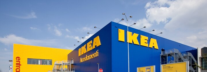 Přestaňte přespávat v našich postelích! IKEA vyzývá teenagery, aby se po nocích neschovávali v obchodech