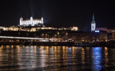 Dnes večer bude Hodina Zeme. Od 20.30 hod. zhasnú svetlá na verejných budovách aj na Slovensku.