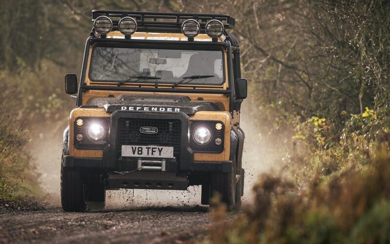 Divízia Land Rover Classic vyrobí 25 kusov slávneho Defendera v špeciálnej úprave za 225-tisíc €.