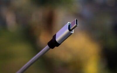 EU chce sjednotit nabíječky pro mobily. Výrobci by používali jen USB-C.