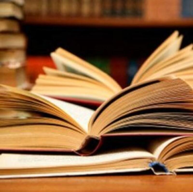 Patří kniha s pevnou vazbou do zvonu na papír?