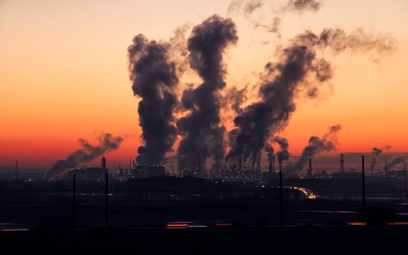Pokud nebudeme jednat, planeta se může do konce století oteplit o 2,7 °C, varuje zpráva OSN.