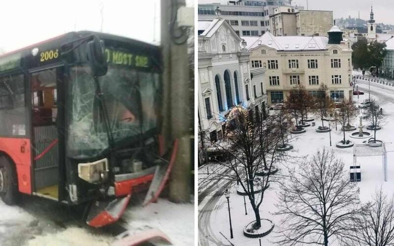 Stačilo trochu snehu a k ranným kolónam v Bratislave pribudli aj dopravné nehody.