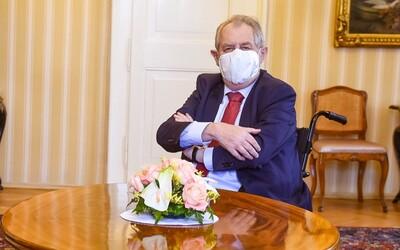 Českého prezidenta Miloša Zemana hospitalizovali. Skončil v nemocnici, v ktorej zároveň leží aj exprezident Klaus.