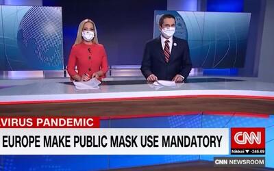Americká CNN chváli Slovákov. V nosení rúšok sme pre nich vzorom.