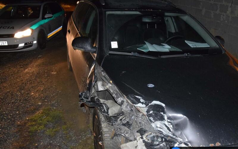 Opitý 15-ročný Popradčan spôsobil nočnú nehodu. Šoféroval s 1,7 promile, havaroval a z miesta nehody pred policajtmi ušiel.