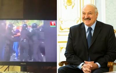 Běloruští hackeři se nabourali do vysílání televize, pustili záběry ukazující mlácení demonstrantů.