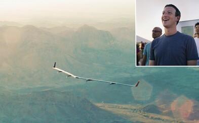 Facebook úspešne otestoval svoje prvé bezpilotné lietadlo, ktoré má do rôznych kútov sveta dodávať internet
