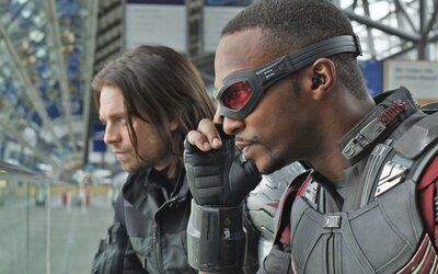 Falcon and Winter Soldier bude ako 8-hodinový marvelácky film. Herec Anthony Mackie kritizuje Marvel za málo černochov na pľaci