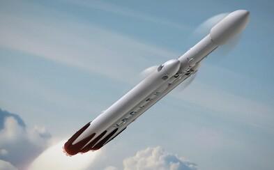 Falcon Heavy čaká prvý let. Elon Musk odhalil plány s raketou, ktorá nás zoberie k Mesiacu a neskôr aj k Marsu