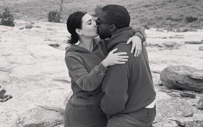 Fanoušci zasypali Kim Kardashian vulgarismy pod fotkou s Kanyem Westem, post musela vymazat