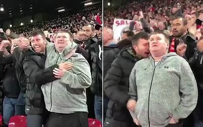 Fanúšik dojal státisíce ľudí, keď slepému bratrancovi opisoval gól, ktorý strelil Salah. Aj bez zraku fandí celým srdcom