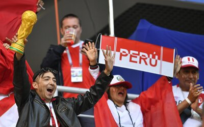 Fanúšik Peru pribral 25 kíl, aby si mohol kúpiť lístok pre hendikepovaných na MS. Morbídne obézni ľudia majú špeciálne vstupenky