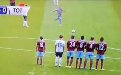 Fanúšik sa vyrútil na ihrisko a famózne zahral priamy kop Tottenhamu