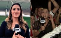 Fanúšik v živom prenose obchytkával športovú reportérku, tá ho zbila mikrofónom