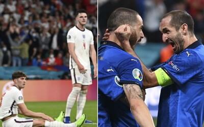 Fanúšikovia Anglicka žiadajú petíciou opakovanie finále Eura 2020. Rozhodca bol vraj zaujatý