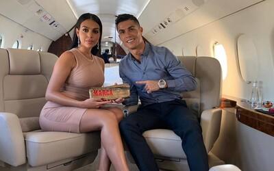 Fanúšikovia Cristiana Ronalda podali žalobu za to, že futbalista presedel zápas na lavičke