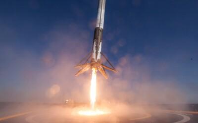 Fascinujúce 360° video detailne zachytáva historické pristátie nosnej rakety Falcon 9