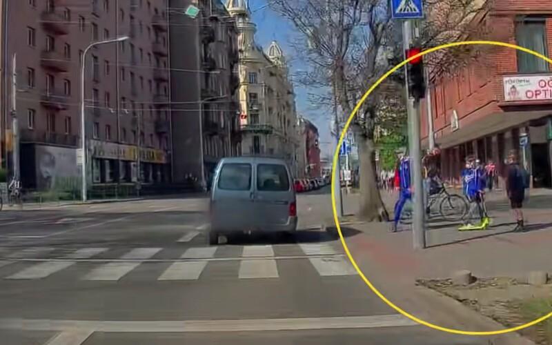 Svědek předvedl s brněnskou policií dokonalou souhru. Dopadli opilého řidiče, který ohrozil trolejbus i děti na přechodu.