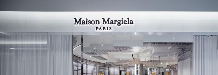 Maison Margiela si za obyčajný pršiplášť z priehľadného plastu pýta takmer 2 000 €