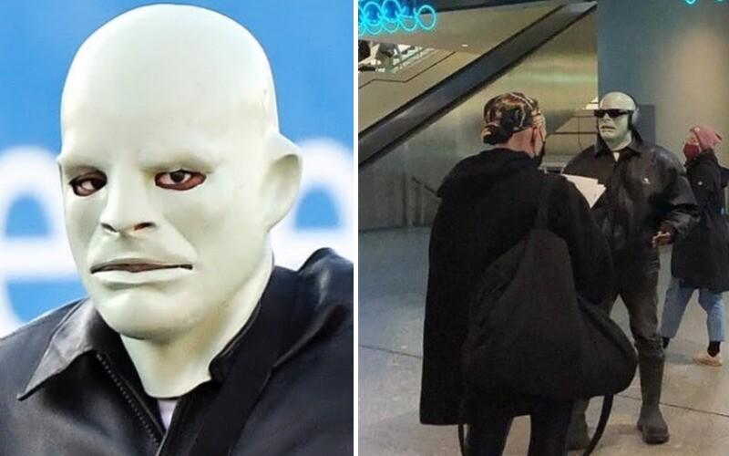 Kanyeho Westa fotografujú ľudia po Európe v maske Fantomasa.