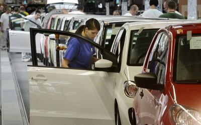 Čína škrtí svetový automobilový priemysel. Obmedzila dodávky horčíka, bez ktorého nemôže fungovať.
