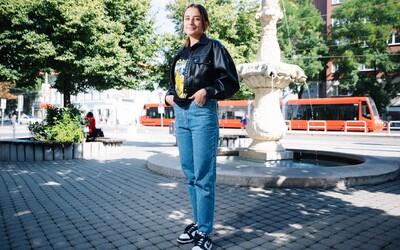 Do školy by si nikdy nedali sukňu ani crocsy. Čo si obliekli Slováci v prvý deň školy?