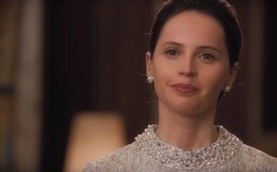 Felicity Jones chce Oscara. V novej dráme sa stáva právničkou, ktorá sa snaží zmeniť zákony USA a zamedziť diskriminácii ženského pohlavia