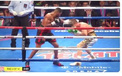 Fenomenální boxer se vyhnul 10 úderům za 5 sekund. Internet ho přirovnává k Neovi z Matrixu