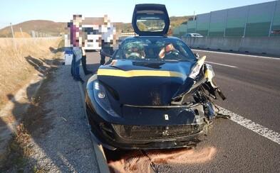 Ferrari skončilo na totálku, škodu vyčíslili na téměř 4 miliony. Za volantem seděl 31letý muž a jezdil, jako by byl nesmrtelný