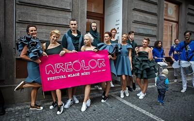 Festival Arcolor pražským ulicím ukázal, že česká móda má co nabídnout (Report)