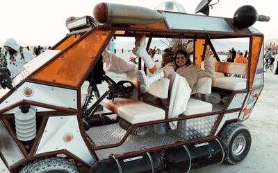 Festival Burning Man zakázal luxusní zónu pro influencery, do které vstup stojí 100 tisíc dolarů