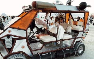 Festival Burning Man zakázal luxusnú zónu pre influencerov, do ktorej vstup stojí 100-tisíc dolárov