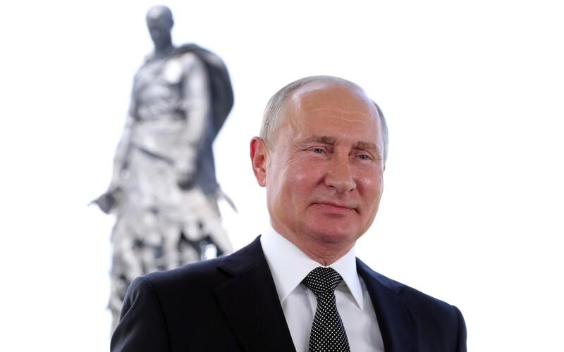Putin může vládnout do roku 2036. V Rusku vrcholí referendum o změnách ústavy.