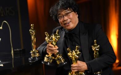 """Film Parazit získal """"priveľa"""" Oscarov. Režisér Joon Ho Bong sa ospravedlnil tým, čo na ne museli gravírovať"""